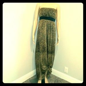 Dresses & Skirts - 📣All Womens Clothing is $15 ea📣